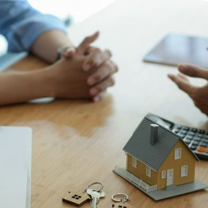 insurance-brokers-are-introducing-real-estate-insu-QWUQ34F (2)